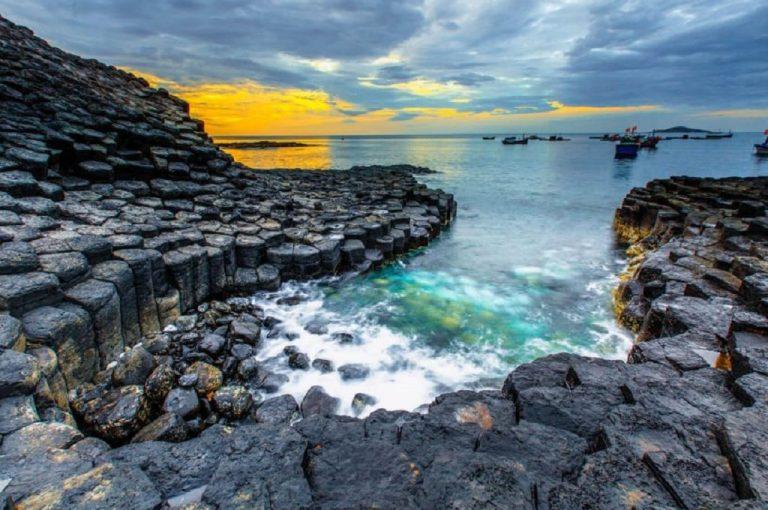 Gành đá dĩa - Tuyệt tác thiên nhiên, một trong những cảnh đẹp Phú Yên nổi tiếng nhất