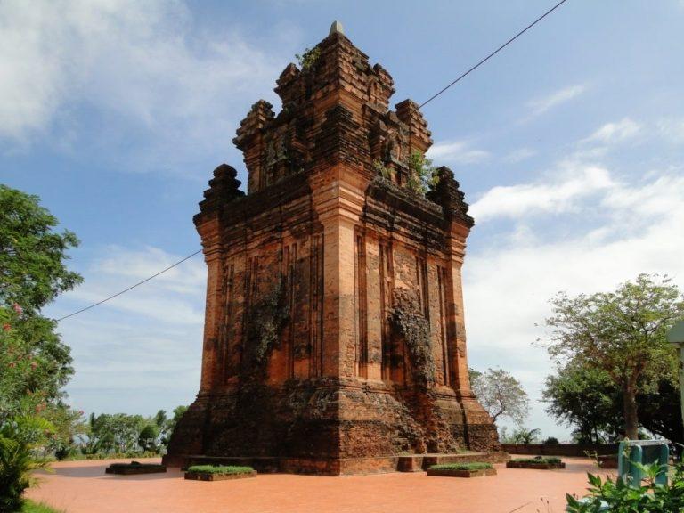 Toàn cảnh Tháp Nhạn Phú Yên