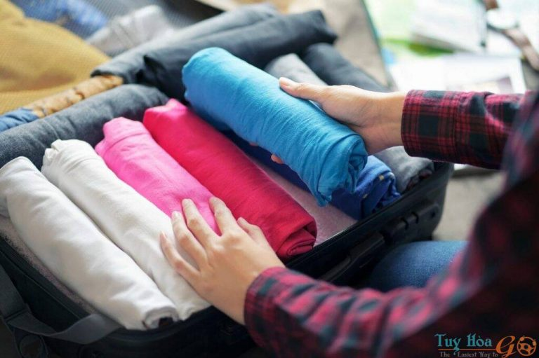 Cách xếp quần áo vào vali đi du lịch