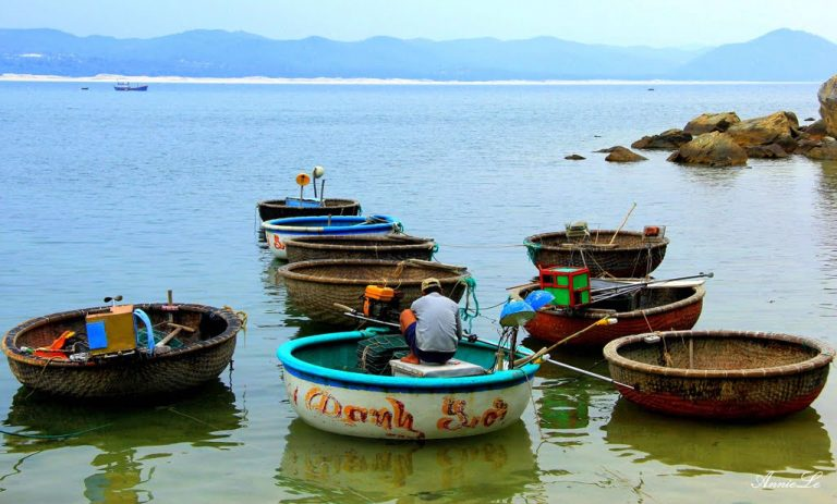 Đi Bãi Biển Từ Nham Phú Yên ngắm làng chài