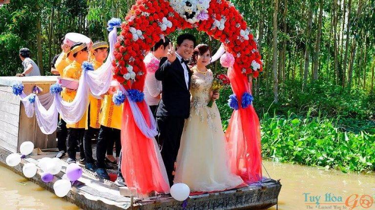 Rước cô dâu về dinh Trình tự phong tục cưới hỏi của người Việt Nam