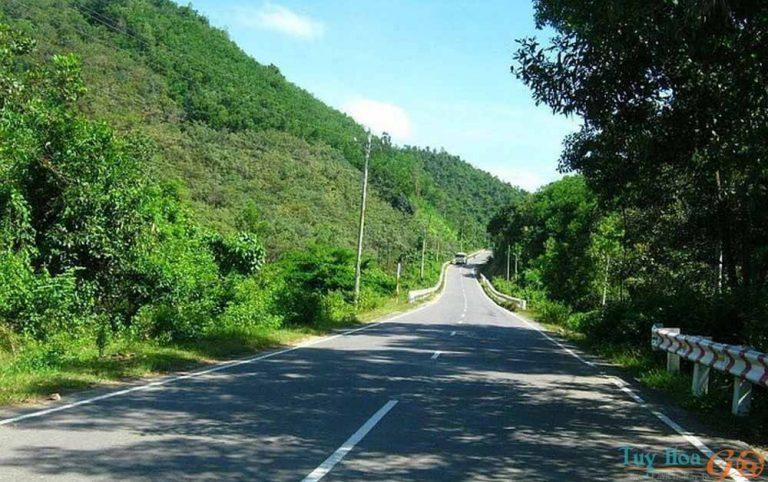 2-vuc-phun-phu-yen  Đường đi Vực Phun Phú Yên như thế nào?