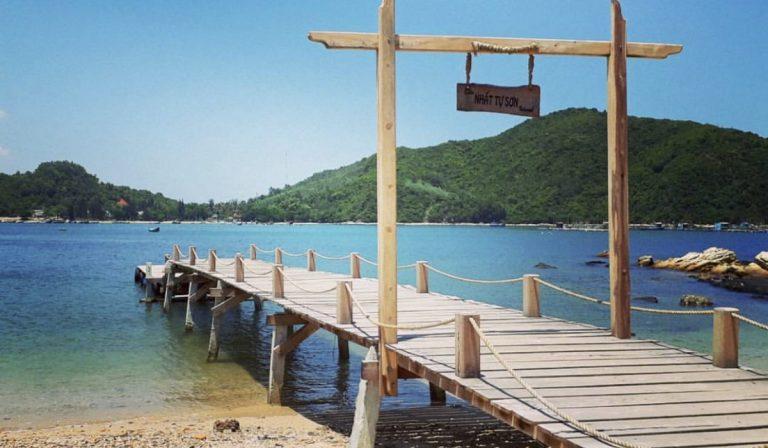Nét độc lạ ở đảo Nhất Tự Sơn Phú Yên: Trải nghiệm từ núi rừng đến biển xanh