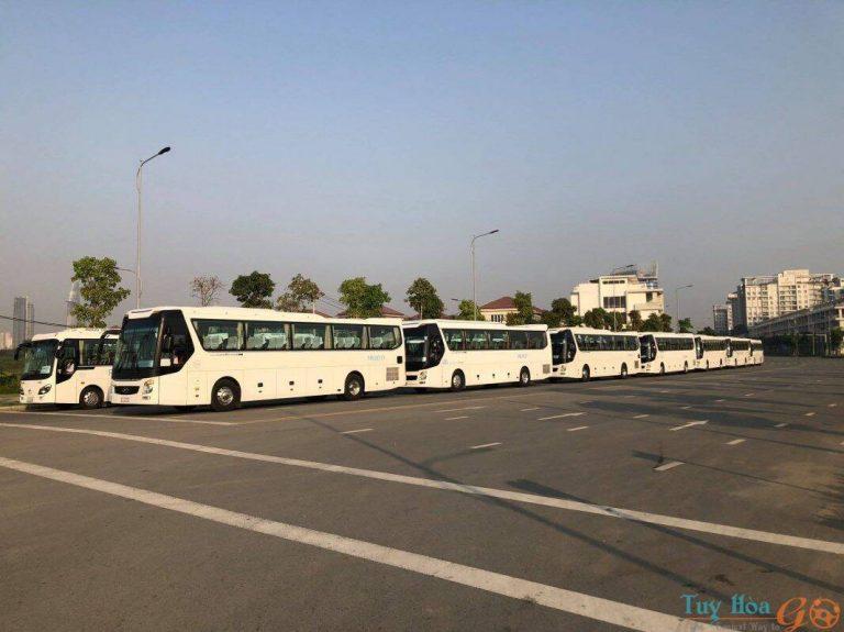 Sử dụng dịch vụ thuê xe đưa đón sân bay Cam Ranh cho số lượng nhiều khách