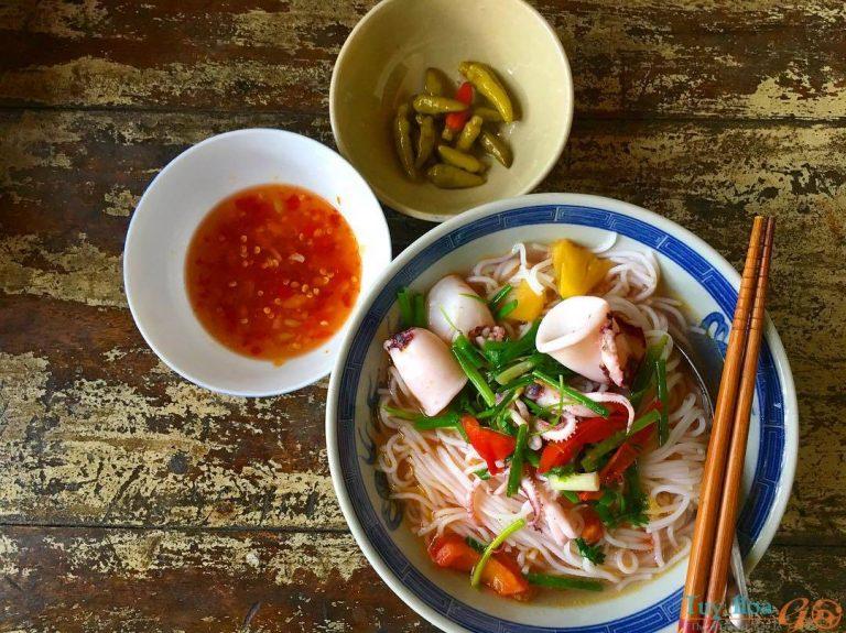 Món ngon Khánh Hòa: bún mực Vạn Ninh