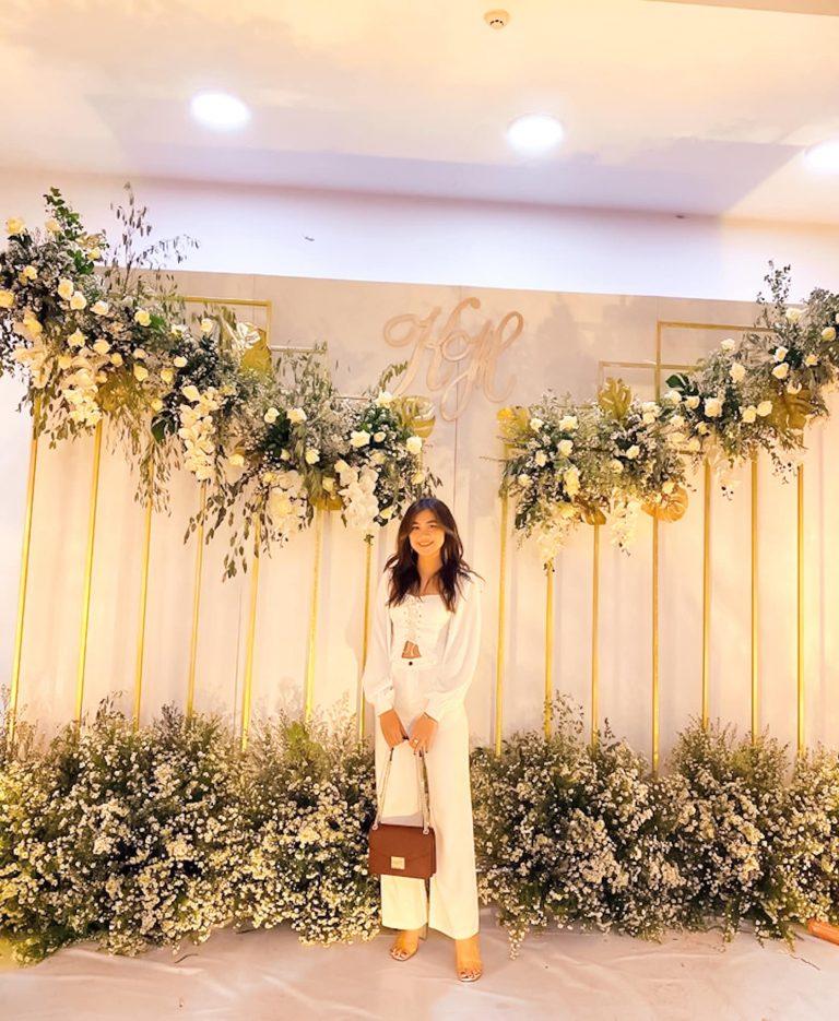 Cổng background để khách dự tiệc chụp ảnh kỷ niệm