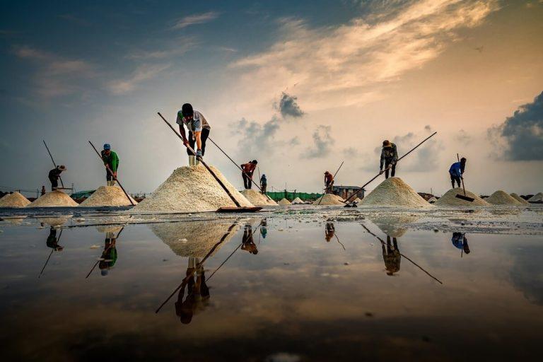 Tận hưởng bức tranh sinh hoạt ở làng muối Tuyết Diêm
