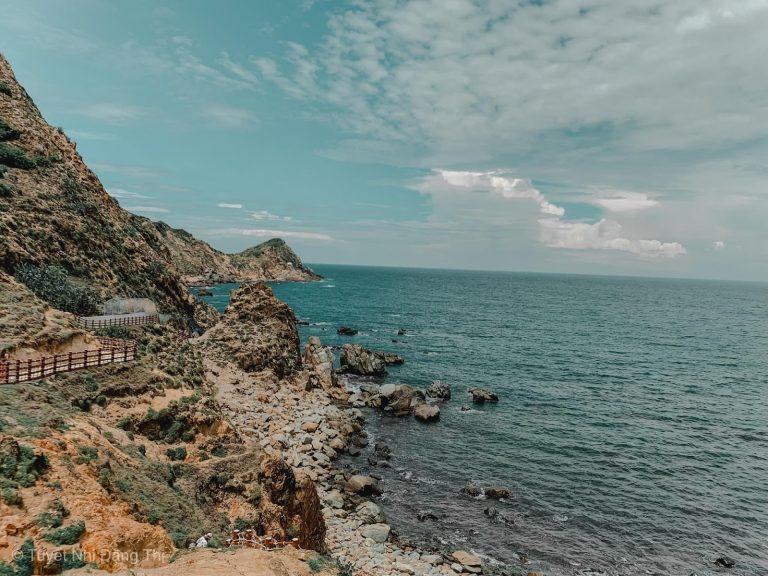 Eo Gió – Con đường đi bộ ven biển hot nhất hè này