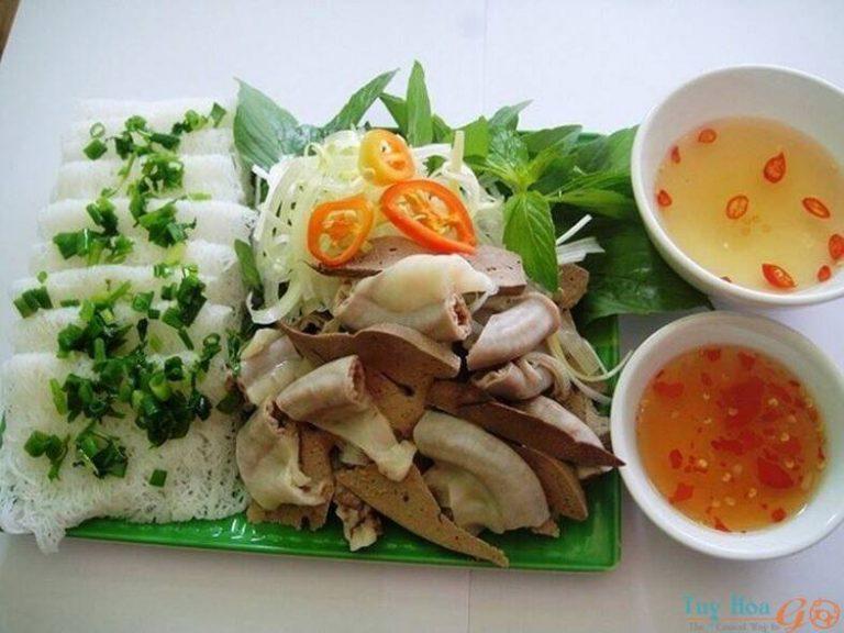 Giới thiệu về bánh hỏi lòng heo Phú Yên