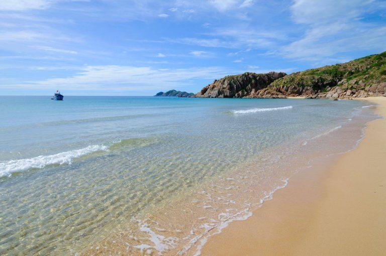 Vẻ đẹp hút hồn của đại dương tại bãi Tràm