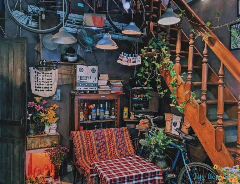 Wait Vintage Café