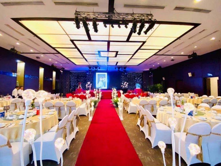 Trung tâm hội nghị tiệc cưới Cendelux Hotel