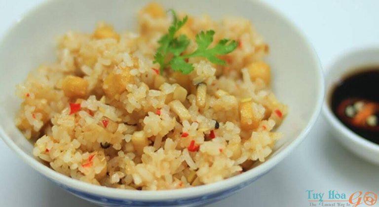 Cách làm cơm chiên muối ớt – Đặc sản ẩm thực dân dã lạ mà quen