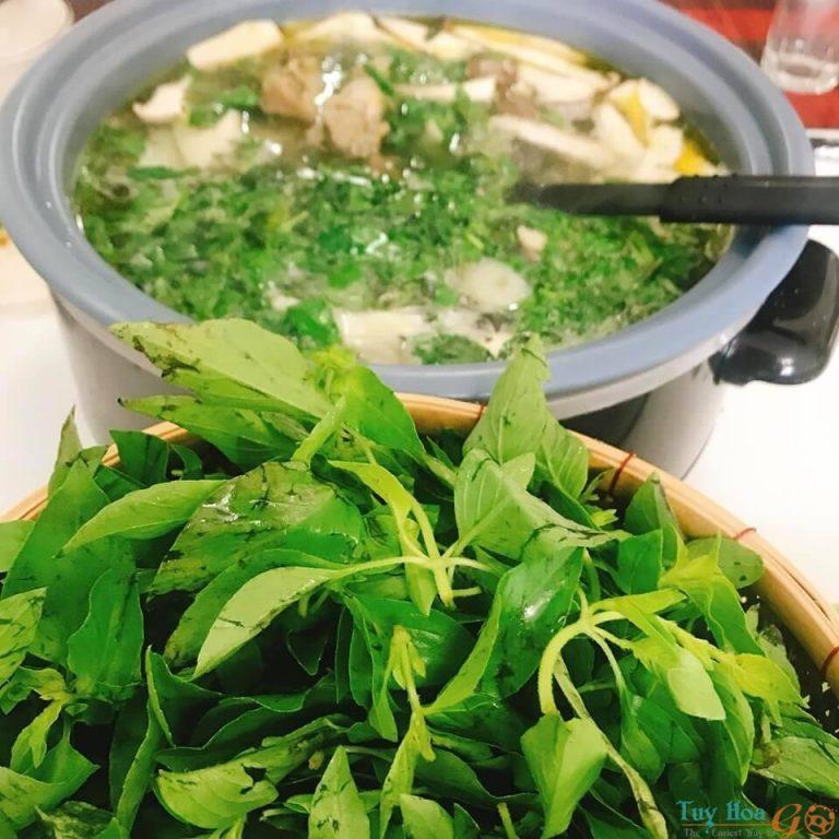 Cách nấu lẩu gà lá é đúng chuẩn đặc sản ẩm thực Đà Lạt