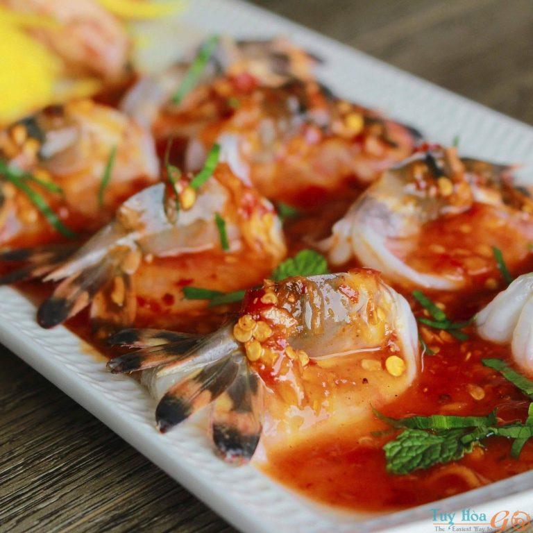 Khám phá hương vị ẩm thực Thái Lan với cách làm tôm sống sốt thái cay nồng