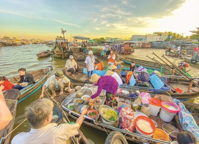 Thuê xe du lịch Sài Gòn đi Cần Thơ [Có tài xế]