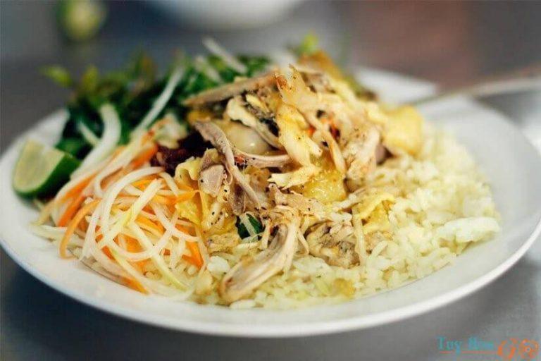 Cơm gà xé Nha Trang