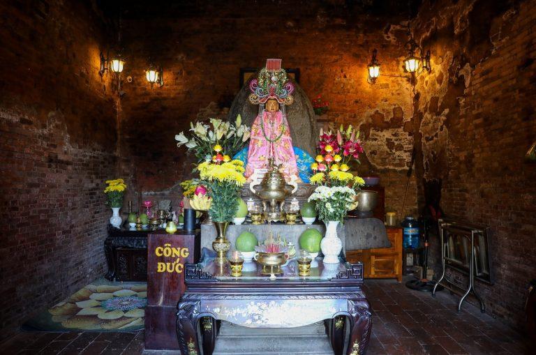 nơi thờ Thượng Đỉnh Chúa Thiết A Na Diễn Ngọc Phi được xây dựng từ thời Hậu Lê.