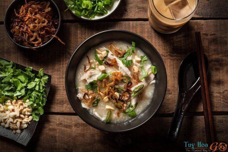 Cách nấu cháo gà, món ăn bổ dưỡng từ nguyên liệu cây nhà lá vườn